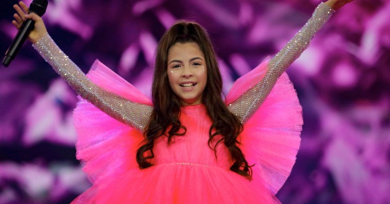 Armenia's Karina Ignatyan rehearses 'Colours Of Your Dream' for the second time
